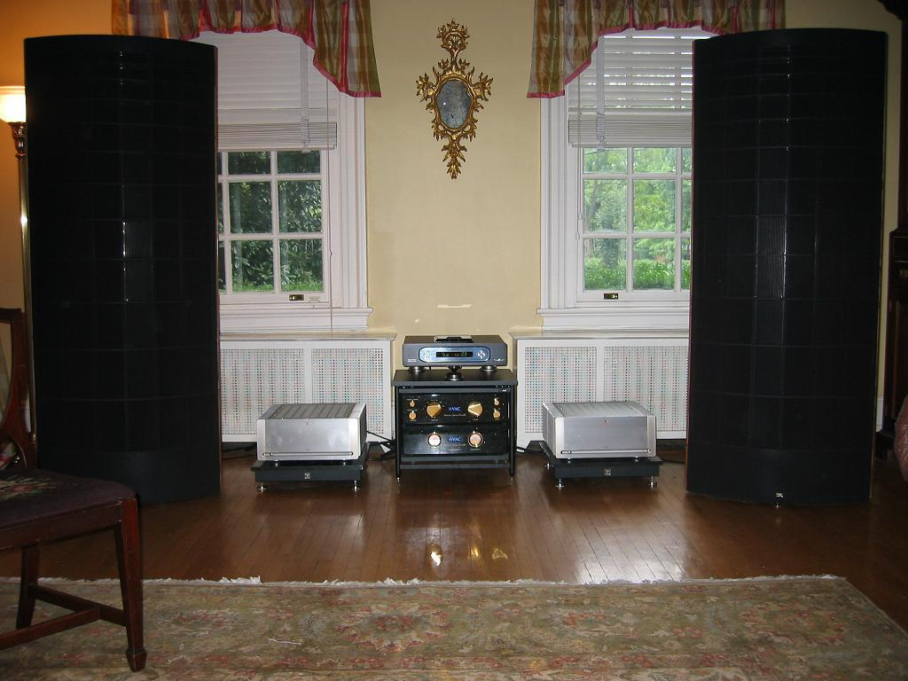 Parasound Halo JC 1 monoblocks with Sound Lab M-2s